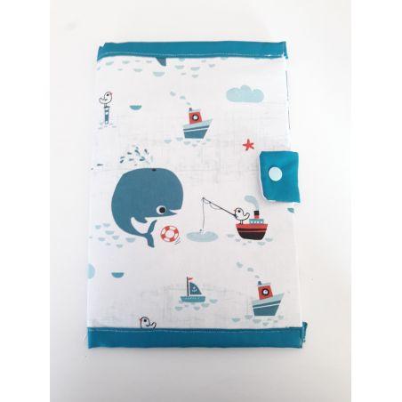 Protège carnet de santé fait à la main imprimé Baleine.