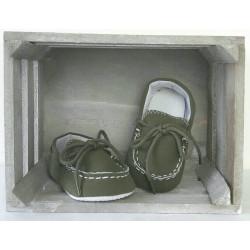 Chaussures bébé style mocassins effet daim couleur kaki-detail